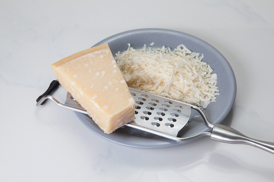 parmesan cheese Fontina cheese substitute